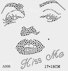футболка с рисунком Лицо Мерилин Монро «Kiss Me»